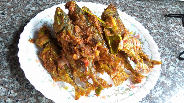 resepi ikan kembung goreng berlada tapi guna ikan bilis Resepi Ikan Selar Kuning Masak Lemak Cili Api Enak dan Mudah